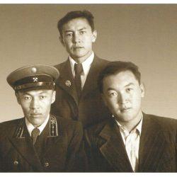 1951г Ш.Есенов с друзьями сослуживцами Т.Садуакасов и Д.Ешпанов