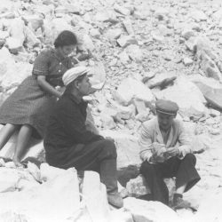 1954г. Досанова, Попов