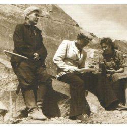 1951г. Ш.Есенов вместе со своими сослуживцами
